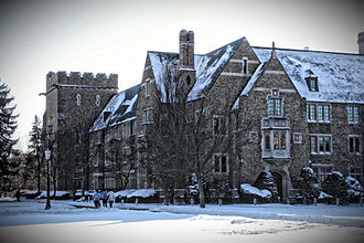 Alumni Hall (University of Notre Dame) - Alumni Hall in the winter