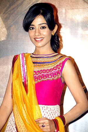 Amrita Rao - Rao at the first-look launch of Singh Saab the Great, 2013