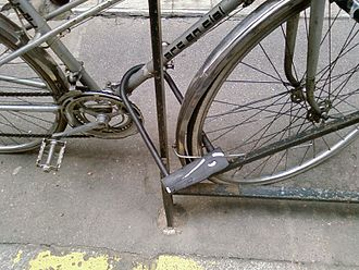 Bicycle lock - Frame and front wheel secured