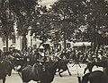 Armand Fallières et le roi Aakon VII de Norvège remontant les Champs-Élysées en juin 1907.jpg