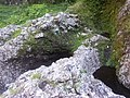 Arrête a franchir pour atteindre la cascade - panoramio.jpg