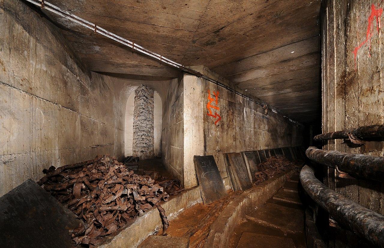 File Arriv 233 E Du Grand Couloir Reliant Le Fort Du Salbert 224