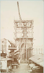 Assemblage of the Statue of Liberty in Paris, showing the b....jpg
