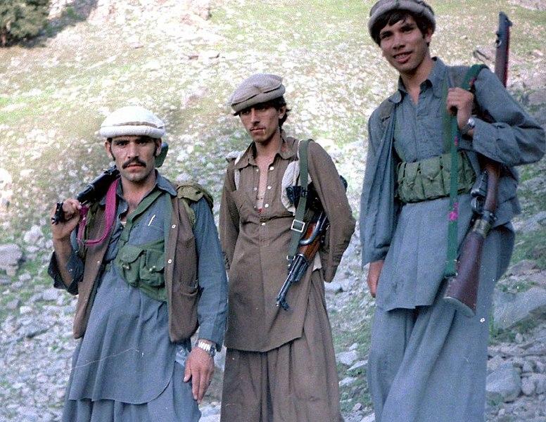 Tres soldados muyhaidines. Autor: Erwin Lux, 1985. Fuente: Flickr (CC BY-SA 3.0)