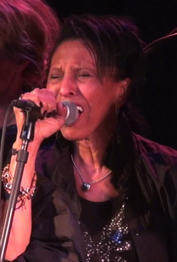 English: Nona Hendryx performing at the Bowery...