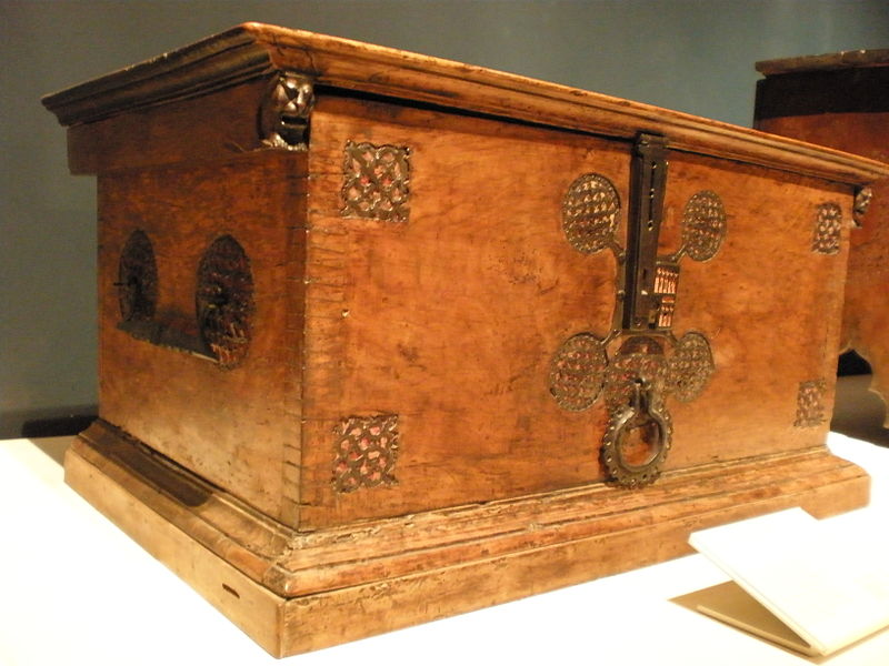 File:BLW Chest with Inlaid Interior.jpg