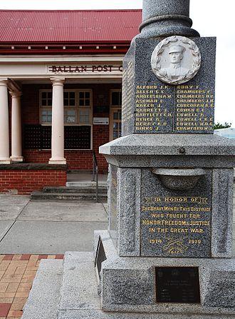 Ballan, Victoria - Image: Ballan Post Office and War Memorial