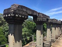 Baphuon columns.jpg