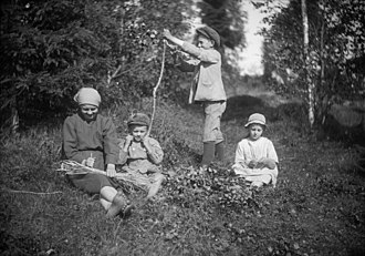 Whisk - Traditional whiskmaking using bundles of twigs in Sweden, 1922.