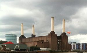 Pink Floyd pigs - Algie replica flying over the Battersea Power Station on 26 September 2011