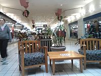 Bay city mall inside.jpg