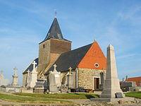 Bazinghen - Eglise et monument aux morts.JPG