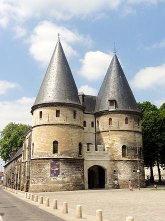 Musée départemental de l'Oise - Beauvais, Gates to enclosure of the Bishop's palace