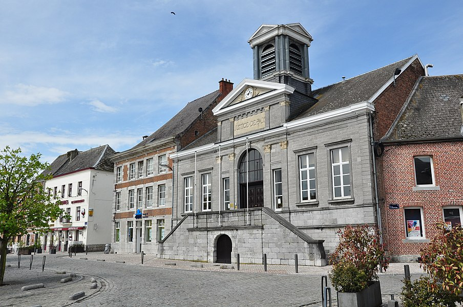 "The former ""Peace Court"" (Justice de Paix) in Philippeville, Belgium."