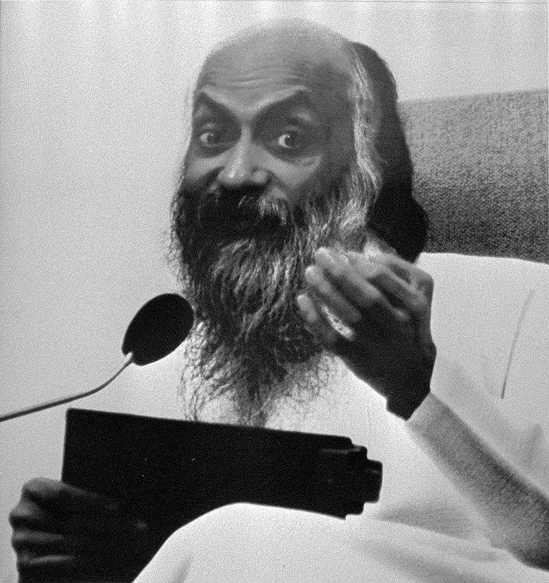 Bhagwan beweging gekwetst door reclame-affiche van het NRC met de tekst profeet , Bestanddeelnr 933-0734-cropped.jpg