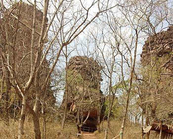 Bhimbetka rock shelters.jpg