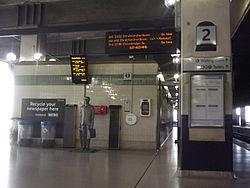 Birmingham Snow Hill Station - The Commuter Statue (9998583546).jpg