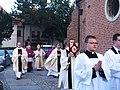 Biskup Jan Tyrawa w procesji do Bydgoskiej Katedry.JPG