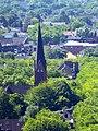 Blick vom Gasometer Oberhausen auf die Evangelische Luther-Kirche - panoramio.jpg