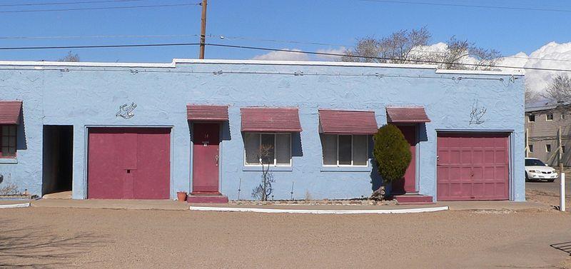 File:Blue Swallow Motel rooms 14-15.JPG