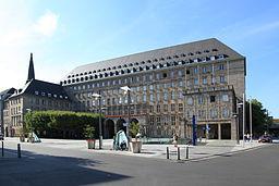 Bochum Willy Brandt Platz + Rathaus 03 ies