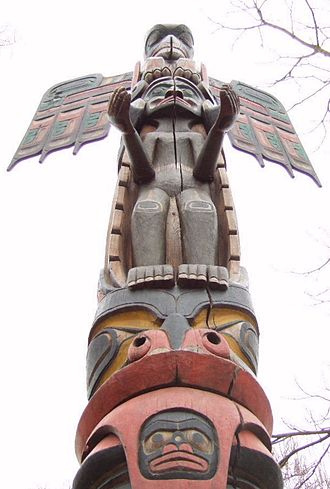 Kwakwaka'wakw art - Red cedar totem by chief Tony Hunt