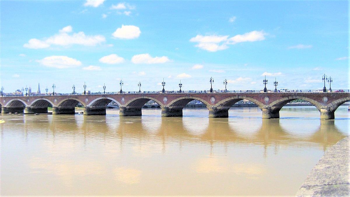 Puente de piedra burdeos wikipedia la enciclopedia libre for La mie de jean portet sur garonne