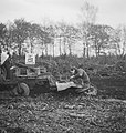 Bosbouw, arbeiders, pootwerkzaamheden, landbouwmachines, werktuigen, Tractors, Bestanddeelnr 253-5643.jpg
