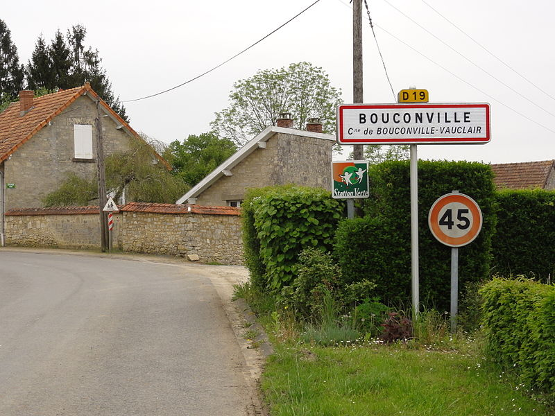 Bouconville-Vauclair (Aisne) city limit sign