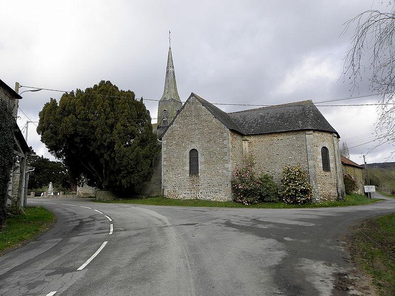 Église Sainte-Marie de Boulay-les-Ifs (53). Vue méridionale.