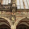 Bremen ratusha's coat 2.jpg