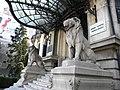 Bucuresti, Romania, Palatul Cantacuzino pe Calea Victoriei nr. 141, sect. 1, (detaliu cu lei).JPG