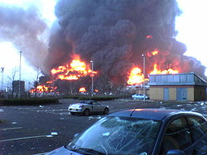 Oil terminal - Massive fire at Buncefield Oil Depot, UK December 2005