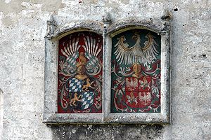 Hedwig Jagiellon, Duchess of Bavaria - Hedwig and George Coats of Arms at Burghausen Castle.
