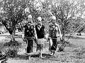 COLLECTIE TROPENMUSEUM Jonge Kenyah vrouwen in jakken en met oorringen en andere sieraden in Longnawan Oost-Borneo TMnr 10005592.jpg