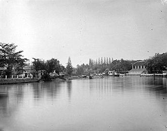 Surabaya - Dutch residenthuis (Resident House) along the water in Surabaya