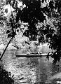 COLLECTIE TROPENMUSEUM Vouwboot op de rivier Ciletuh TMnr 10027470.jpg