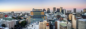 Cape Town Skyline of CBD at Dusk.jpg