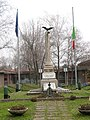 Carnate Monumento ai caduti.jpg