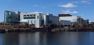 Casino du Lac-Leamy - Viewed from Lac de la Carrière.jpg