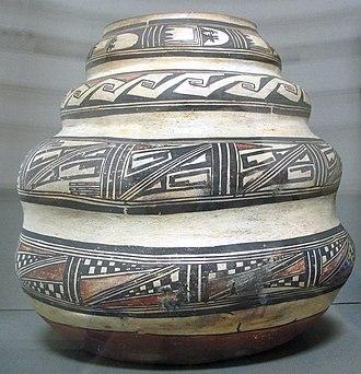 Hopi - Nampeyo Ceramic jar, circa 1880