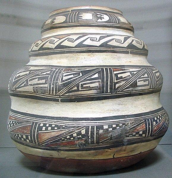 Fichier:Ceramic Hopi jar - by-Nampeyo - date-ca. 1880 - from-DC1.jpg