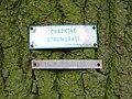 Chaby, památné stromořadí, tabulka.jpg
