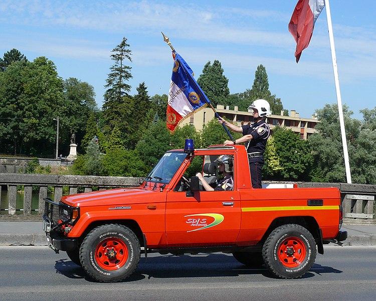 Toyota Landcruiser of the services départementaux d'incendie et de secours (SDIS) des Ardennes during the Bastille Day Parade in Charleville Mézières, 2010.