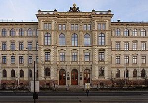TU Chemnitz Eingang Hauptgebäude Strasse der N...
