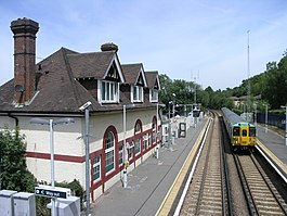 Chipstead Station - geograph.org.uk - 20447.jpg