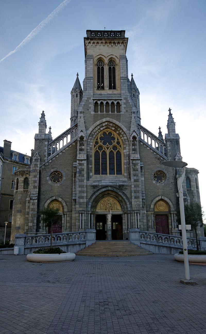 Bon Dimanche 800px-Church_-_Biarritz%2C_France