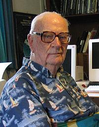 Arthur Clarke - RAMA II (Novela) --> Colapso Economico en Octubre 2011 200px-Clarke_cropped