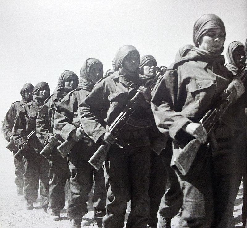 Combattantes sahraouies du Front Polisario.jpg