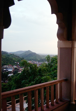 Cross Section of one of Sihor Hill Ranges, from Sukhnath.png